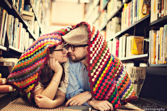 library engagement shoot with blanket