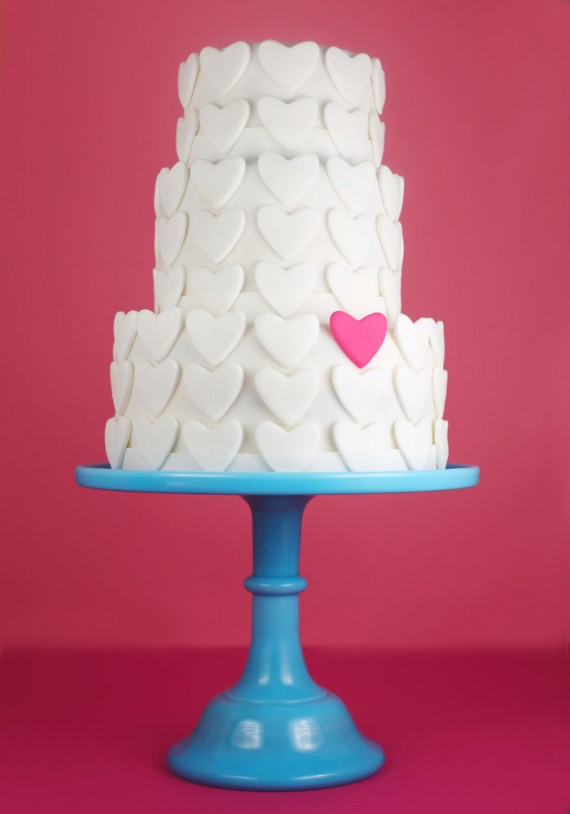how to make your own wedding cake - hearts fondant