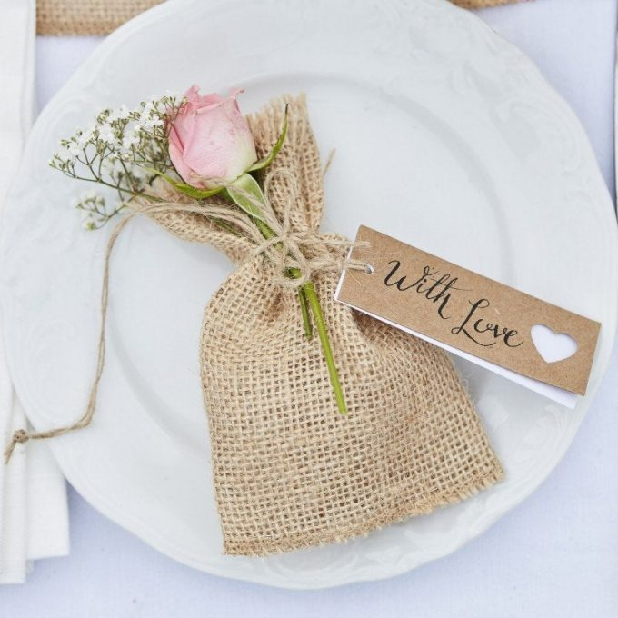 rustic place cards and favors