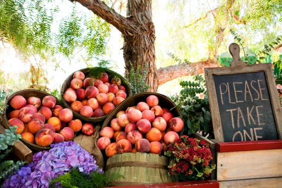 rustic wedding favors - peaches