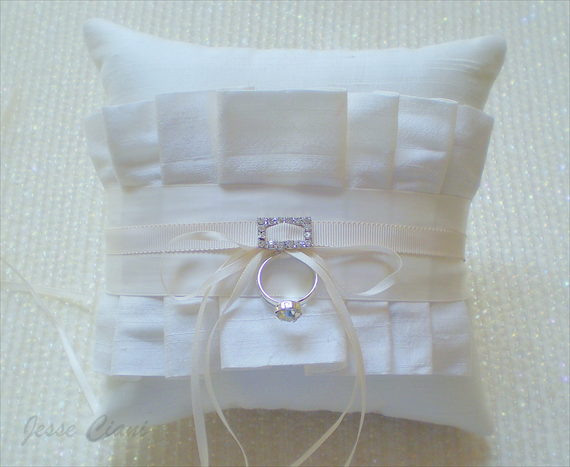 enter to win a free ring bearer pillow