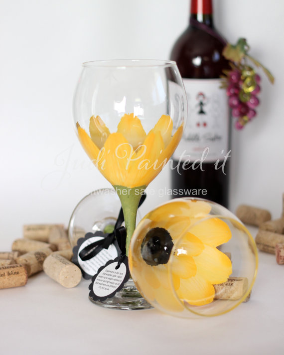 daisy wine glasses (by judi painted it)