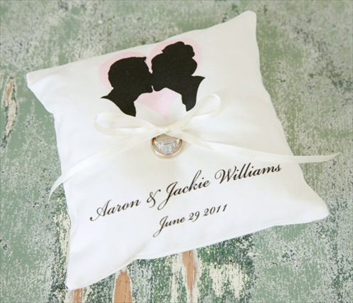 silhouette ring pillow