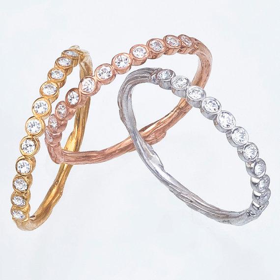 diamond wedding band with eleven diamonds