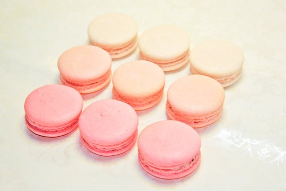pink ombre macarons