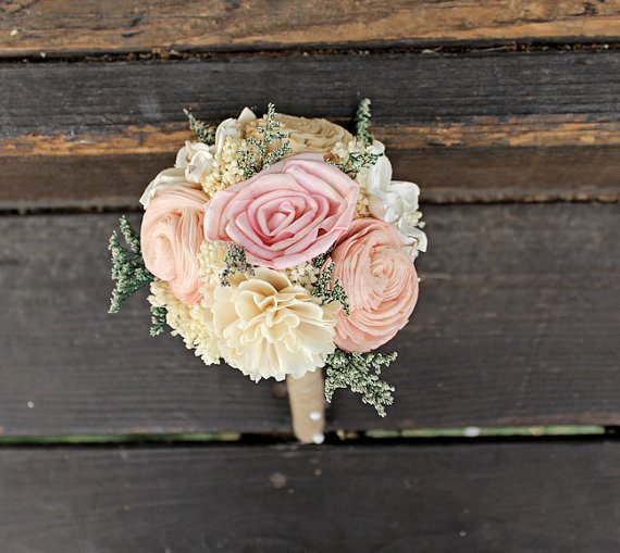 Wood sola bouquet by Curious Floral | via Wood Themed Wedding Ideas: https://emmalinebride.com/themes/wood-themed-wedding-ideas/