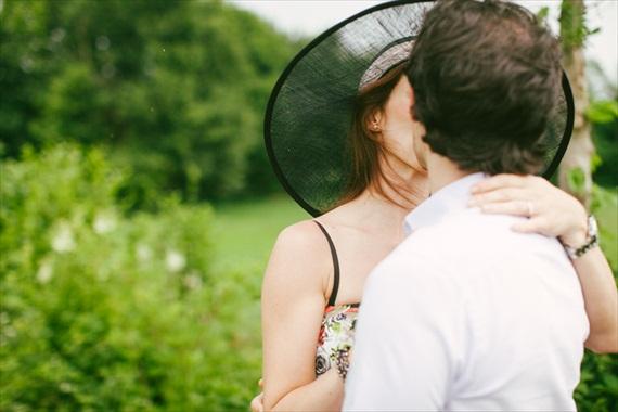 LES AMIS PHOTO - Vespa Engagement Session