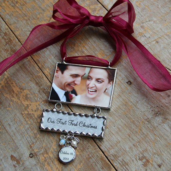 photo ornament via 50+ First Christmas Ornaments Engaged / Married