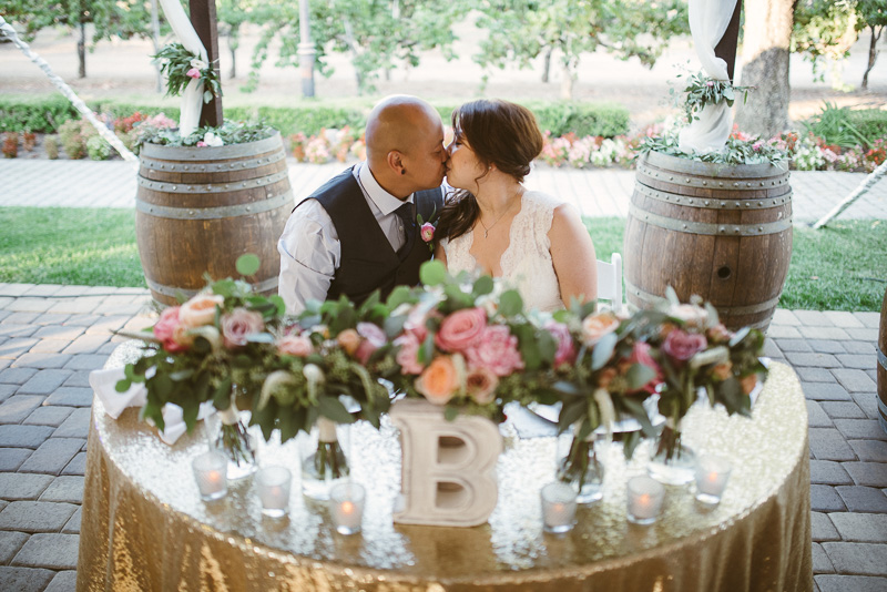 Guglielmo Winery Real Wedding | https://emmalinebride.com/real-weddings/guglielmo-winery-california-weddings/ | photo: Michael James Photography | planner: d.Royal Engagements