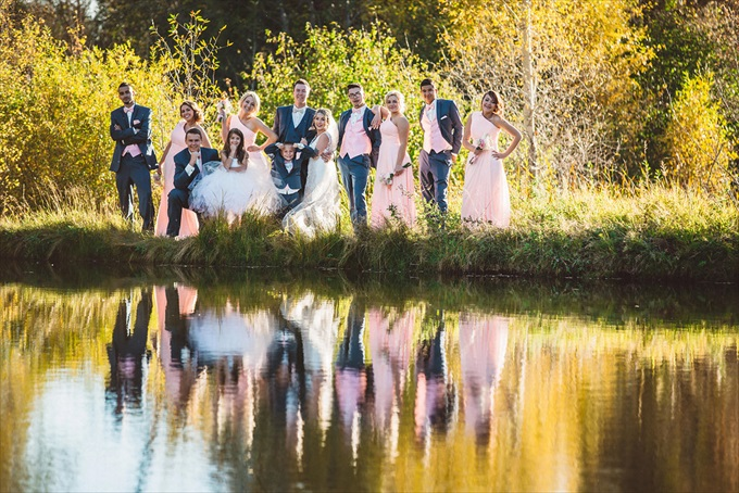 Bohemian Colorado Wedding with pink, gold, and blue | http://www.emmalinebride.com/real-weddings/bohemian-wedding-full-of-love-in-colorado/ | photo: Shutterfreek