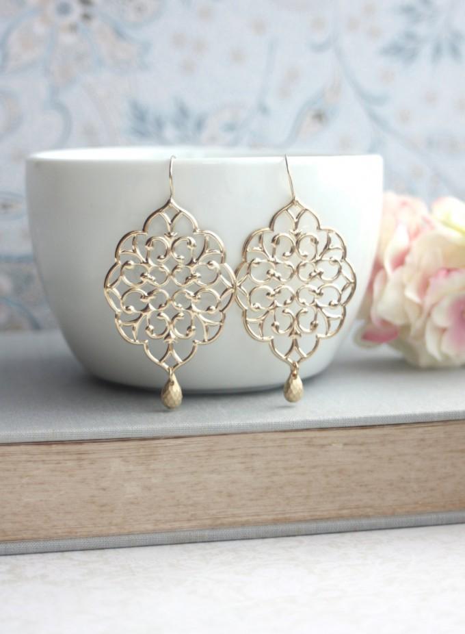 Moroccan gold earrings by Marolsha | https://emmalinebride.com/2016-giveaway/moroccan-gold-earrings/