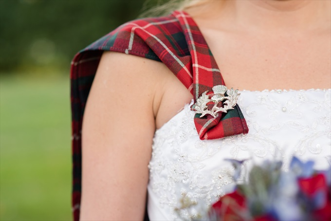 North Carolina Scottish Wedding | http://www.emmalinebride.com/real-weddings/north-carolina-scottish-wedding/ | photo: Michelle Robinson Photography - North Carolina Wedding Photographer