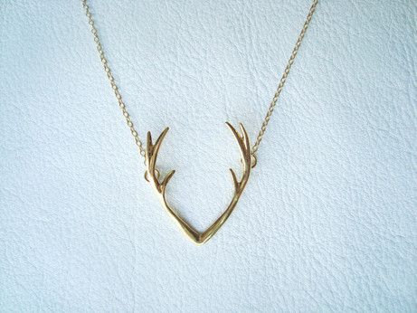 antler necklace by chillsjewellery | 75 Best Valentine's Gifts They'll Actually Want | https://emmalinebride.com/gifts/unique-valentines-day-gifts/