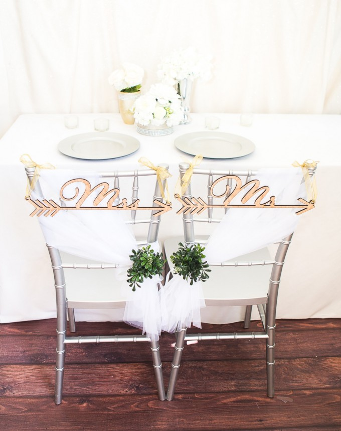 boho arrow | chair signs for bride and groom | by zcreate design | https://emmalinebride.com/reception/chair-signs-for-bride-and-groom/