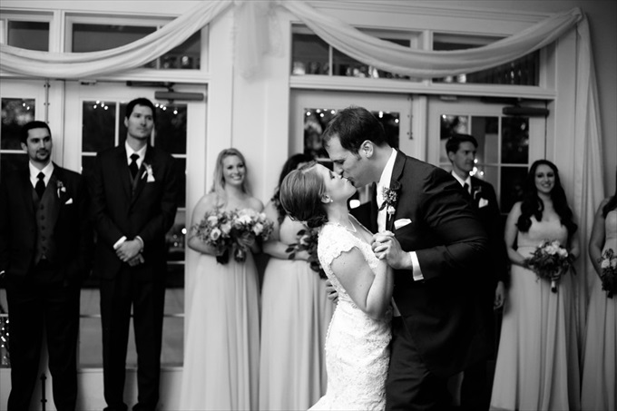 Carlyle House wedding couple dancing | Sarah + JJ's Pretty Wedding at 173 Carlyle House | https://www.emmalinebride.com/real-weddings/pretty-wedding-173-carlyle-house/ | photo: Melissa Prosser Photography - Atlanta Georgia Wedding Photographer
