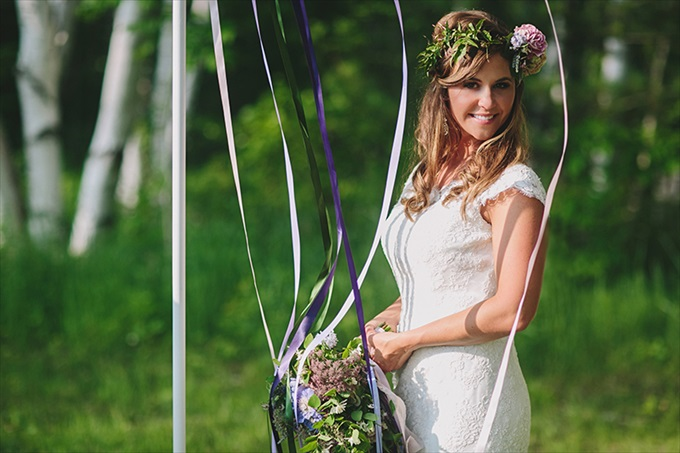 Love Spring Weddings?  A Maypole Inspirational Shoot at Castle Farms in Charlevoix, Michigan | Love Weddings Maypole | https://www.emmalinebride.com/real-weddings/love-spring-weddings-a-maypole-inspirational-shoot/ | Photo: E.C. Campbell Photography