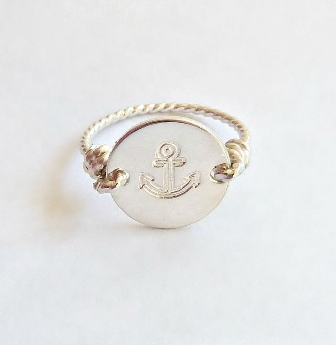 anchor ring | via 50+ nautical wedding theme ideas at EmmalineBride.com
