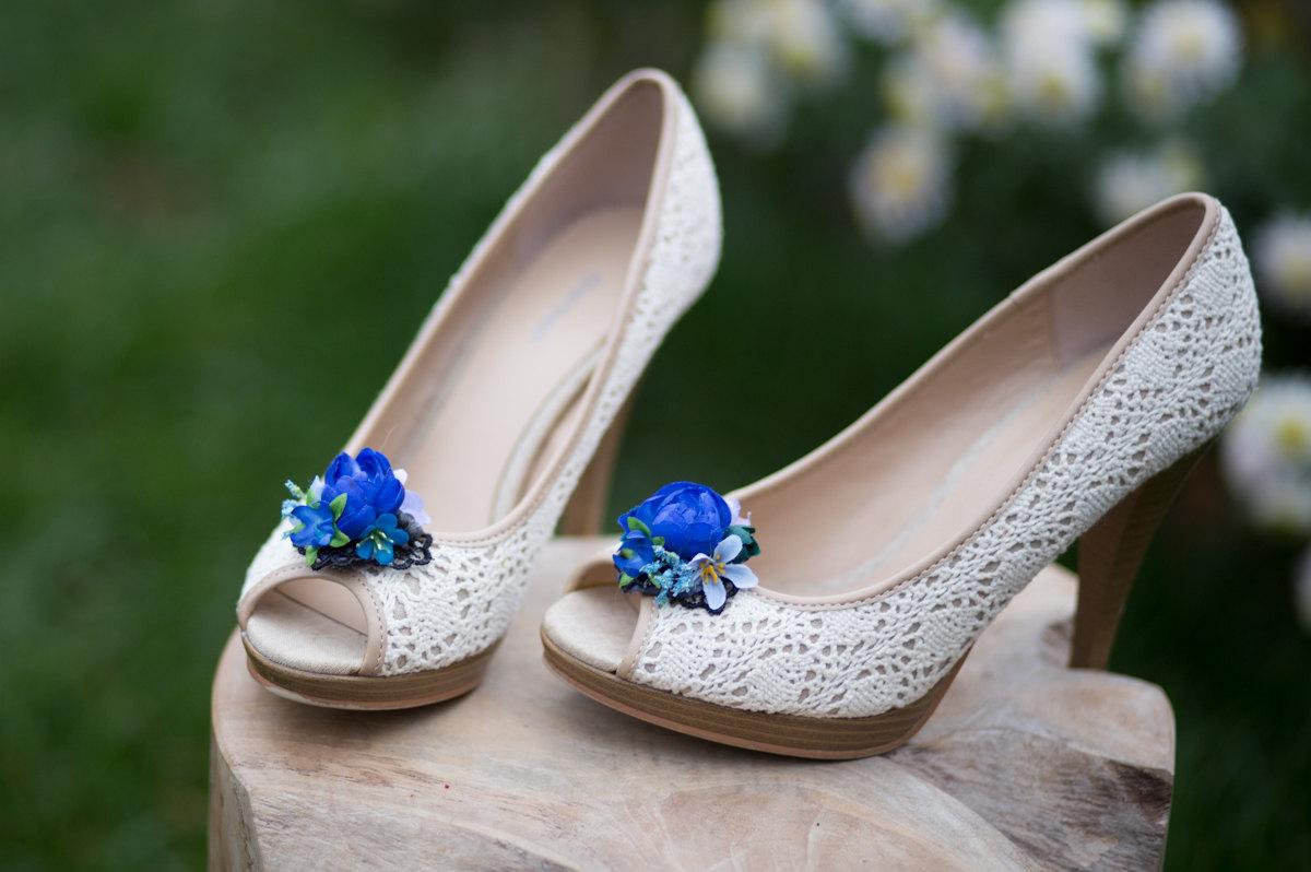 blue flower shoe clips