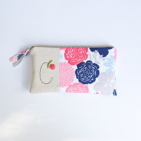bridesmaid clutch purse with initial and flower print by mamableudesigns | bridesmaid clutches instead of flowers via http://emmalinebride.com/bridesmaid/clutches-instead-of-flowers/