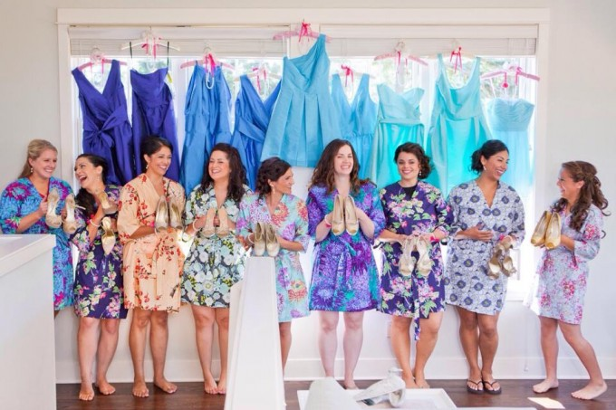 bridesmaid robe for getting ready | by modern kimono | https://emmalinebride.com/2016-giveaway/robe-for-getting-ready/
