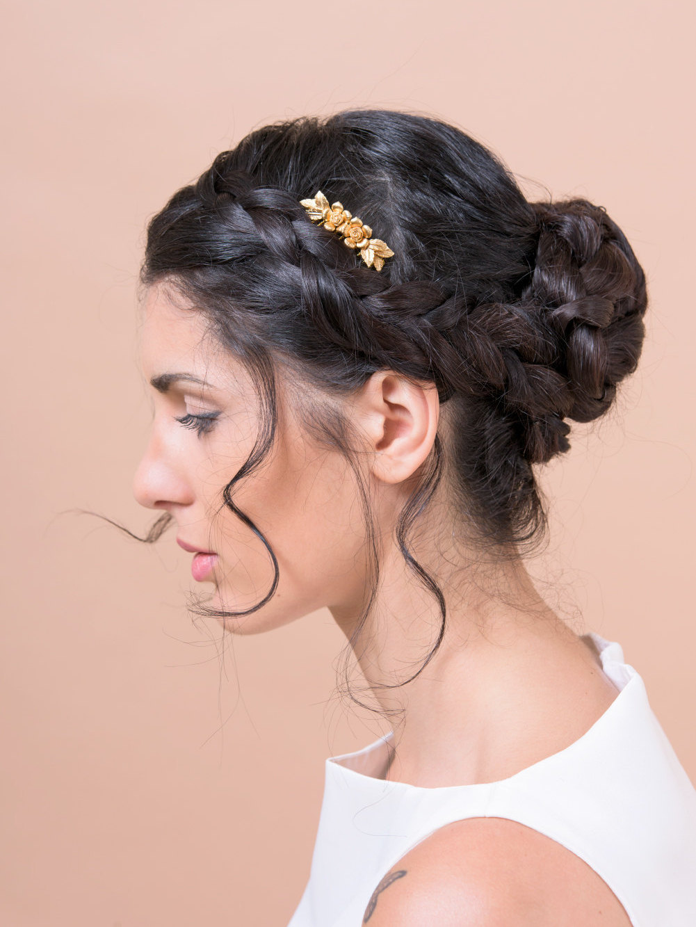 flowers and leaves hair comb by Bridal Ambiance | bridal veil alternative via https://emmalinebride.com/bride/bridal-veil-alternatives/ ‎ | any hairstyle