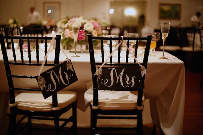 mr mrs wedding chair signs | Sarah + JJ's Pretty Wedding at 173 Carlyle House | https://www.emmalinebride.com/real-weddings/pretty-wedding-173-carlyle-house/ | photo: Melissa Prosser Photography - Atlanta Georgia Wedding Photographer