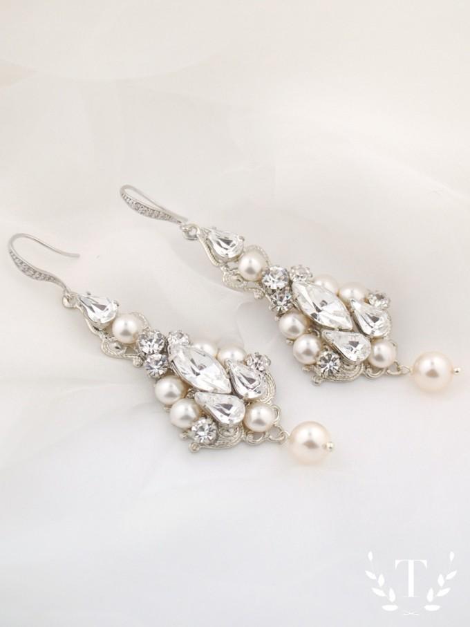bridal-earrings-side-view