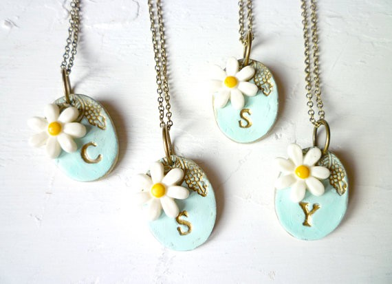 daisy wedding theme initial necklaces for bridesmaids | by Palomaria | bridesmaid necklaces initials | https://emmalinebride.com/gifts/bridesmaid-necklaces-initials