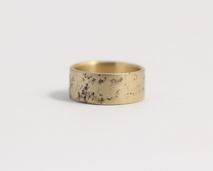 distressed-wedding-band-men