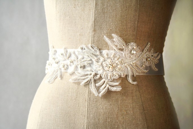 Pearls and Crystals Dress Sash | by Laura Stark | sashes dress | https://emmalinebride.com/bride/bridal-sashes-dress