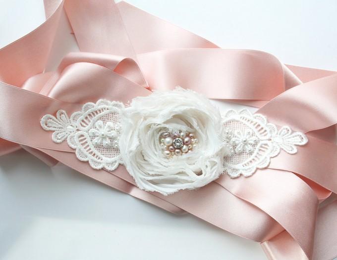 Pink dress sash with flower | by Laura Stark | sashes dress | https://emmalinebride.com/bride/bridal-sashes-dress