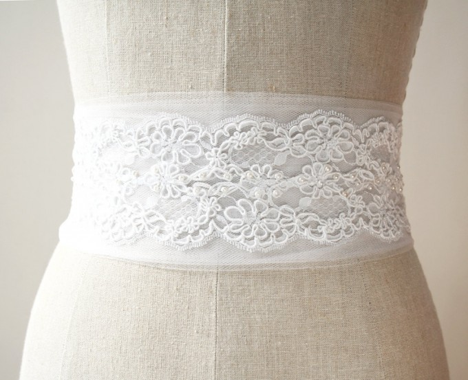 Tulle alencon lace sash | by Laura Stark | sashes dress | https://emmalinebride.com/bride/bridal-sashes-dress