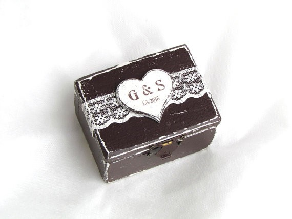 dark wood ring box by GregolinoWedding | 41 Beautiful Rustic Ring Pillows on Etsy | https://emmalinebride.com/rustic/ring-pillows-etsy-weddings/
