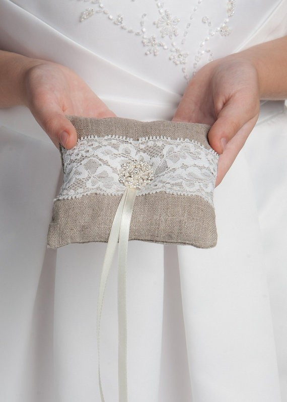 linen and lace ring pillow | 41 Beautiful Rustic Ring Pillows Etsy | https://emmalinebride.com/rustic/ring-pillows-etsy-weddings/