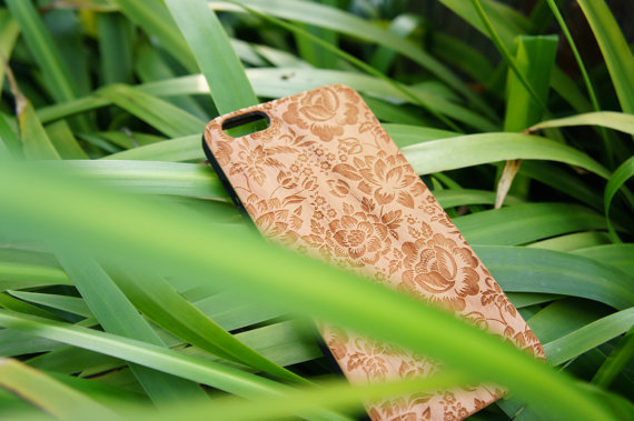 wood engraved iphone case by Woodboow | unique gifts for mom