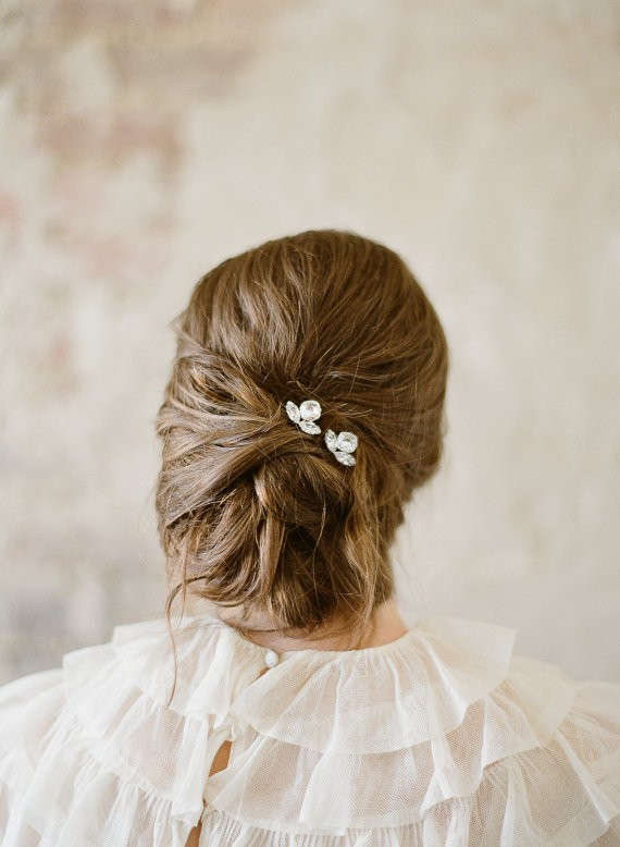 hair with small hair pins | 50+ Best Bridal Hairstyles Without Veil | http://emmalinebride.com/bride/best-bridal-hairstyles