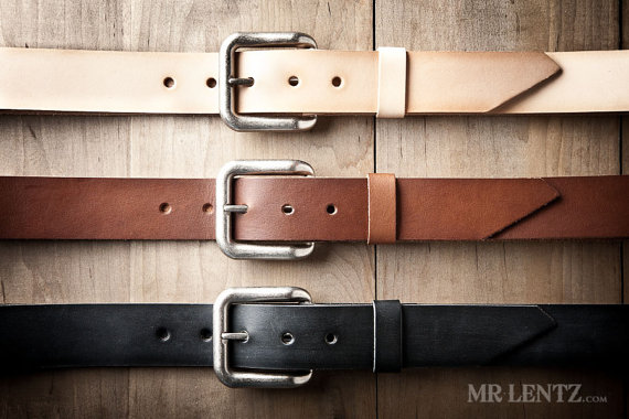 leather belt | via 40+ Best Leather Groomsmen Gifts for Weddings | https://emmalinebride.com/gifts/leather-groomsmen-gifts/