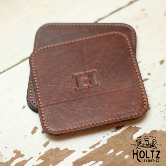 leather coasters by holtz leather | via 40+ Best Leather Groomsmen Gifts for Weddings | https://emmalinebride.com/gifts/leather-groomsmen-gifts/