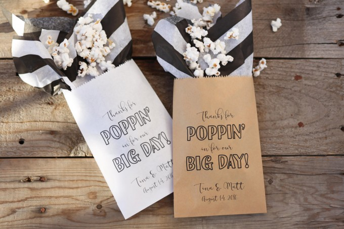 popcorn bags | 10 Tips for a Popcorn Wedding Bar