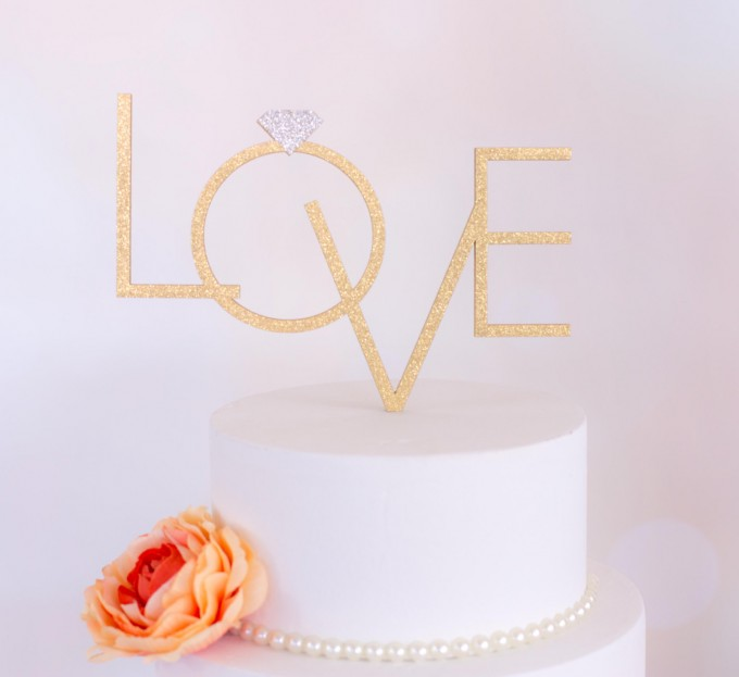 love diamond cake topper | win a free cake topper https://emmalinebride.com/2016-giveaway/free-cake-topper/