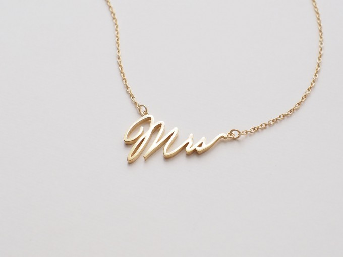 mrs necklace | via 15 Best Gifts for the Bride from Groom + Wedding Gifts for Bride from Groom