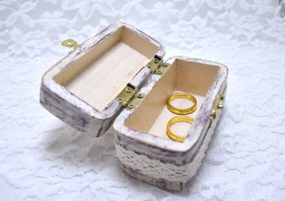 rustic wedding ring box lace open