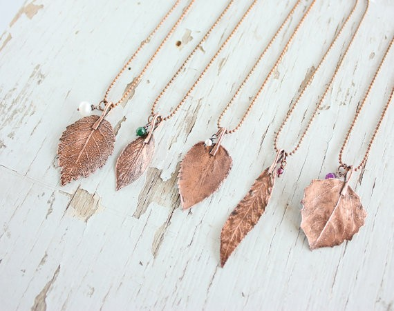 leaf necklaces by wirefoxjewellery | country bridesmaid gifts under $25 via http://emmalinebride.com/rustic/country-bridesmaid-gifts/
