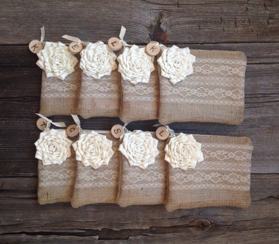 rustic burlap wedding clutch bag for bridesmaids | country bridesmaid gifts under $25 via https://emmalinebride.com/rustic/country-bridesmaid-gifts/