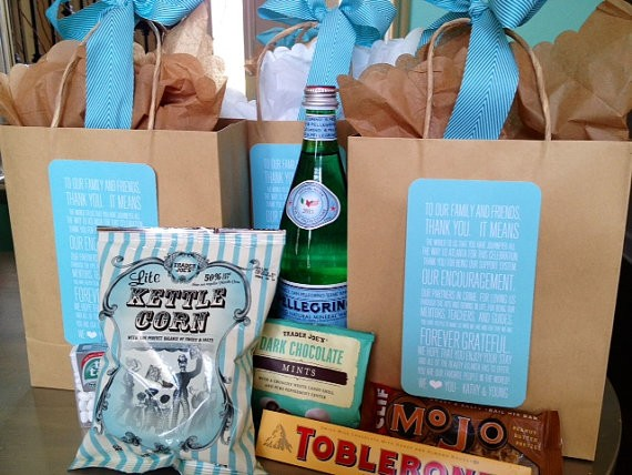 wedding welcome bag by weddingsbyjamie via 26 Things Guests Love at Weddings from A to Z | https://emmalinebride.com/planning/things-guests-love-at-weddings/ ‎