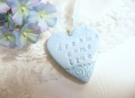 Heart Bouquet Charm with Something Blue | by Artsy Clay | http://etsy.me/2cVoPgG | http://emmalinebride.com/2016-giveaway/heart-bouquet-charm/