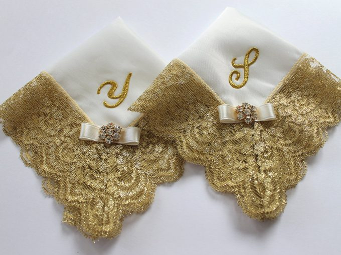 Handkerchief by Aristocrafts | via Where to Buy Wedding Handkerchiefs via Emmaline Bride: https://emmalinebride.com/bride/where-to-buy-wedding-handkerchiefs