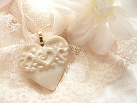 Heart Bouquet Charm | by Artsy Clay | http://etsy.me/2cVoPgG | http://emmalinebride.com/2016-giveaway/heart-bouquet-charm/