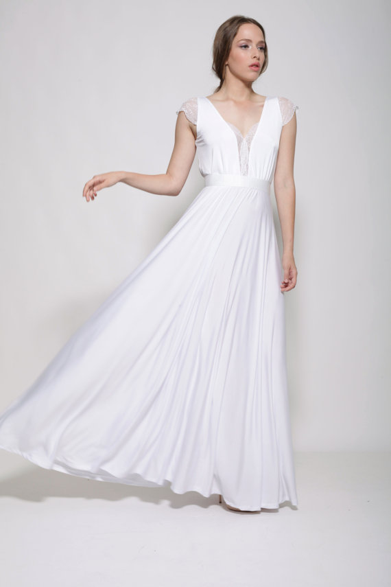 Wedding Reception Dress by Barzelai | via Affordable Reception Dresses - http://emmalinebride.com/bride/affordable-reception-dresses/