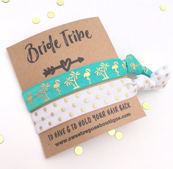 Palm Tree Hair Ties by Sweet Repose Boutique | via Palm Tree Bachelorette Party Ideas http://bit.ly/2db3WOL